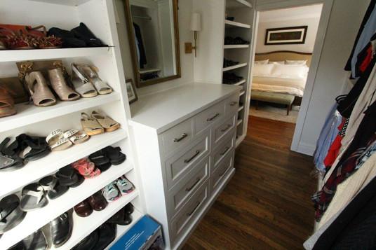Hinsdale Closet - Image 3