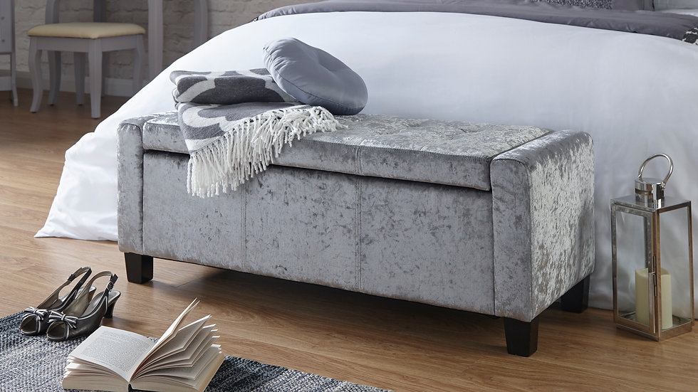 Luxurious Ottoman Seat Bench in Grey Crushed Velvet Wooden Feet Buttoned Design
