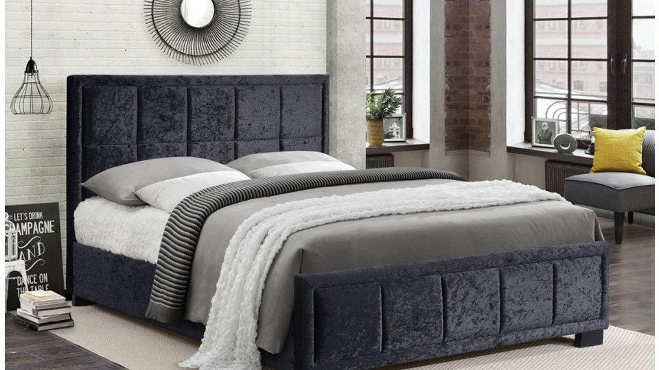 4FT 4FT6 5FT Stunning Black Crushed Velvet Bed Frame With Cushioned Headboard