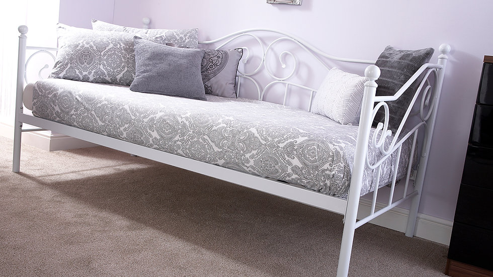 3ft Single Madison Metal Bed in White With Trundle Options