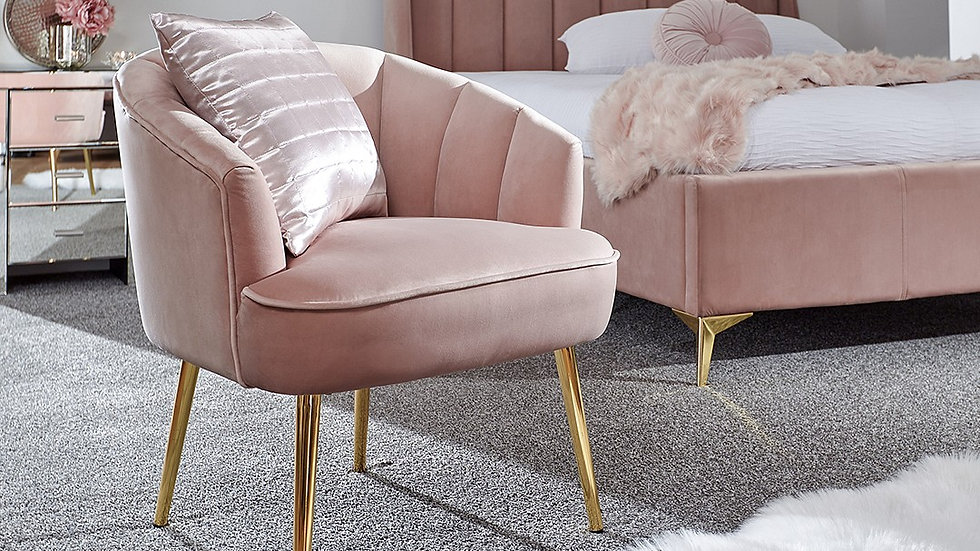 New Blush Pink Scallop Shell Pettine Chair With Gold Legs