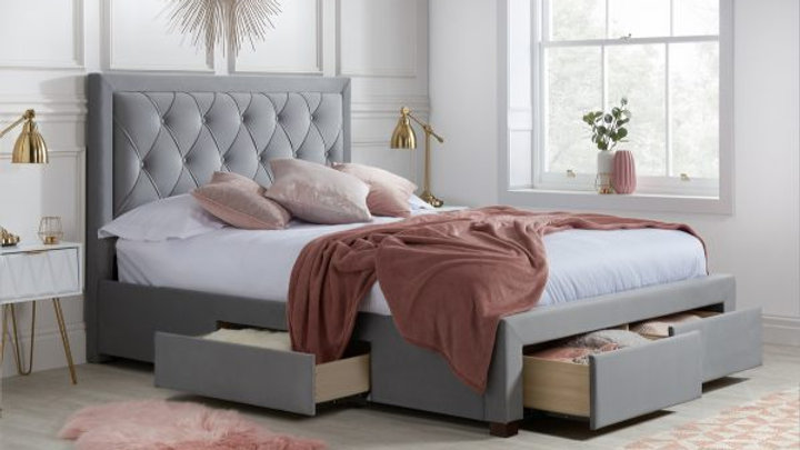 NEW Striking Diamond Tufted Headboard Bedframe available in 4FT6 5FT 6FT