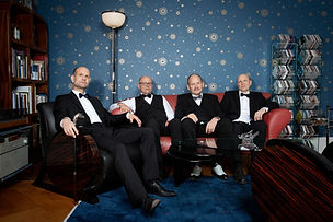 Quartett Sofa.jpeg