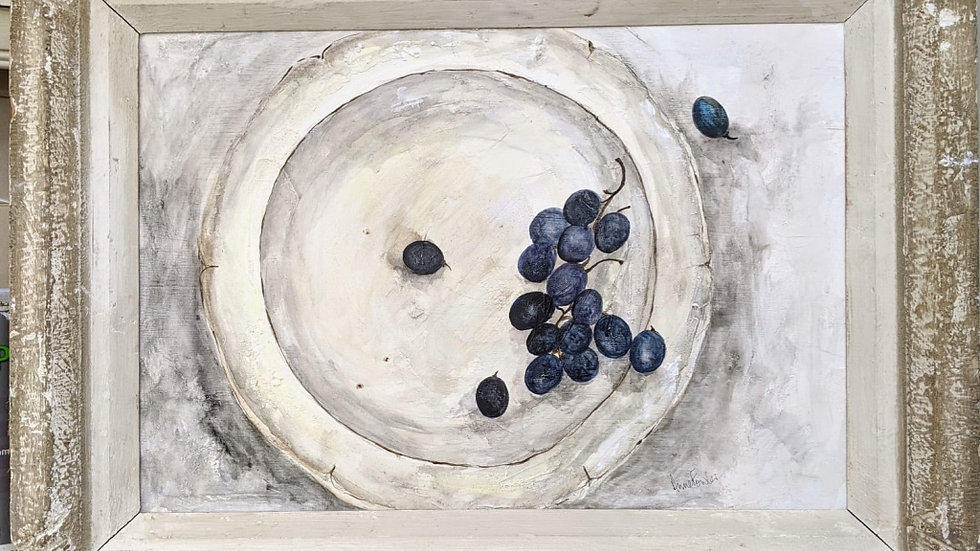 Creil with Grapes