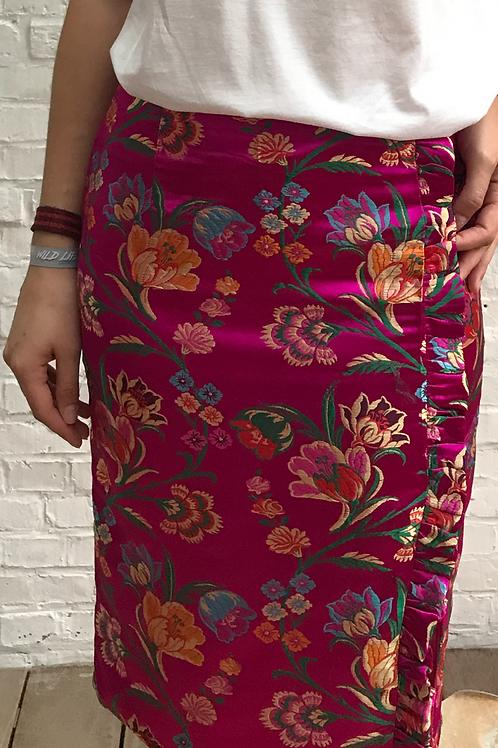 Pink oriental printed pencil skirt