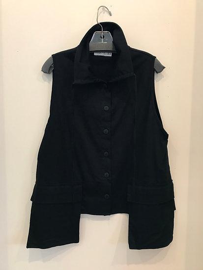 Luuka Black Vest
