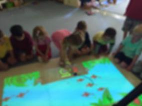 105_interactive_projector_kids_lumo.jpg