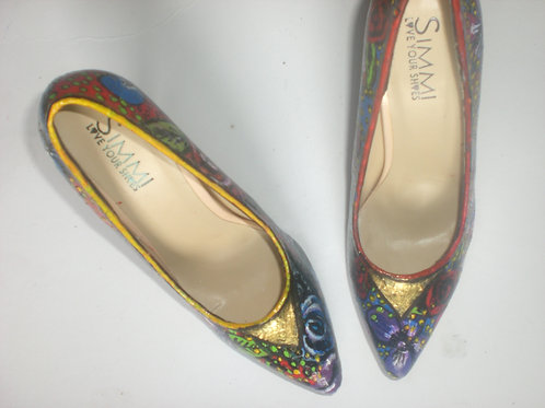 Live Now Fashion/ Triangle / Heels/ (Size 6 Only)