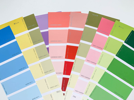 How does language effect the way we perceive colours?