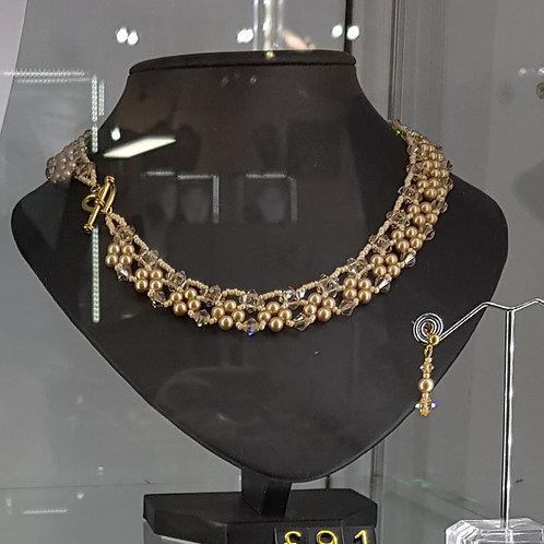 Vintage Gold Felicity