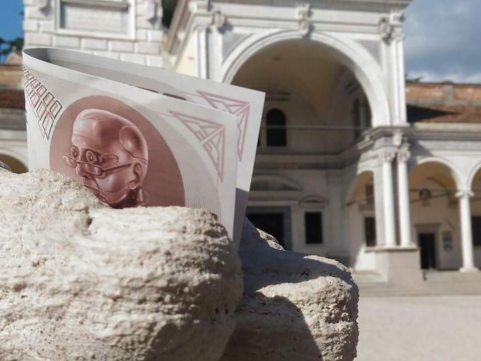 Ukron, il conio dall'anno 2504 Udine - Italia