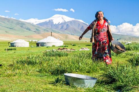 Village outsite Bajan‑Ölgij, Mongolia