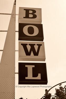 Bowl sign B&W