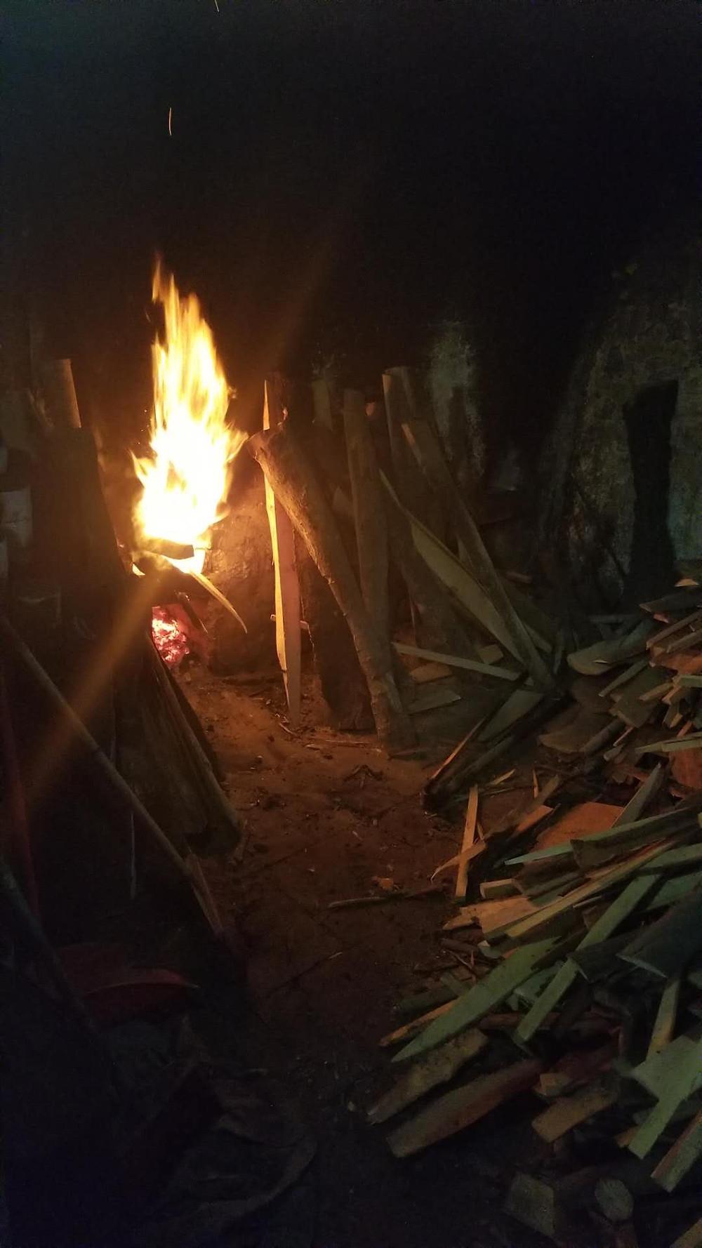 沿用柴火煮食