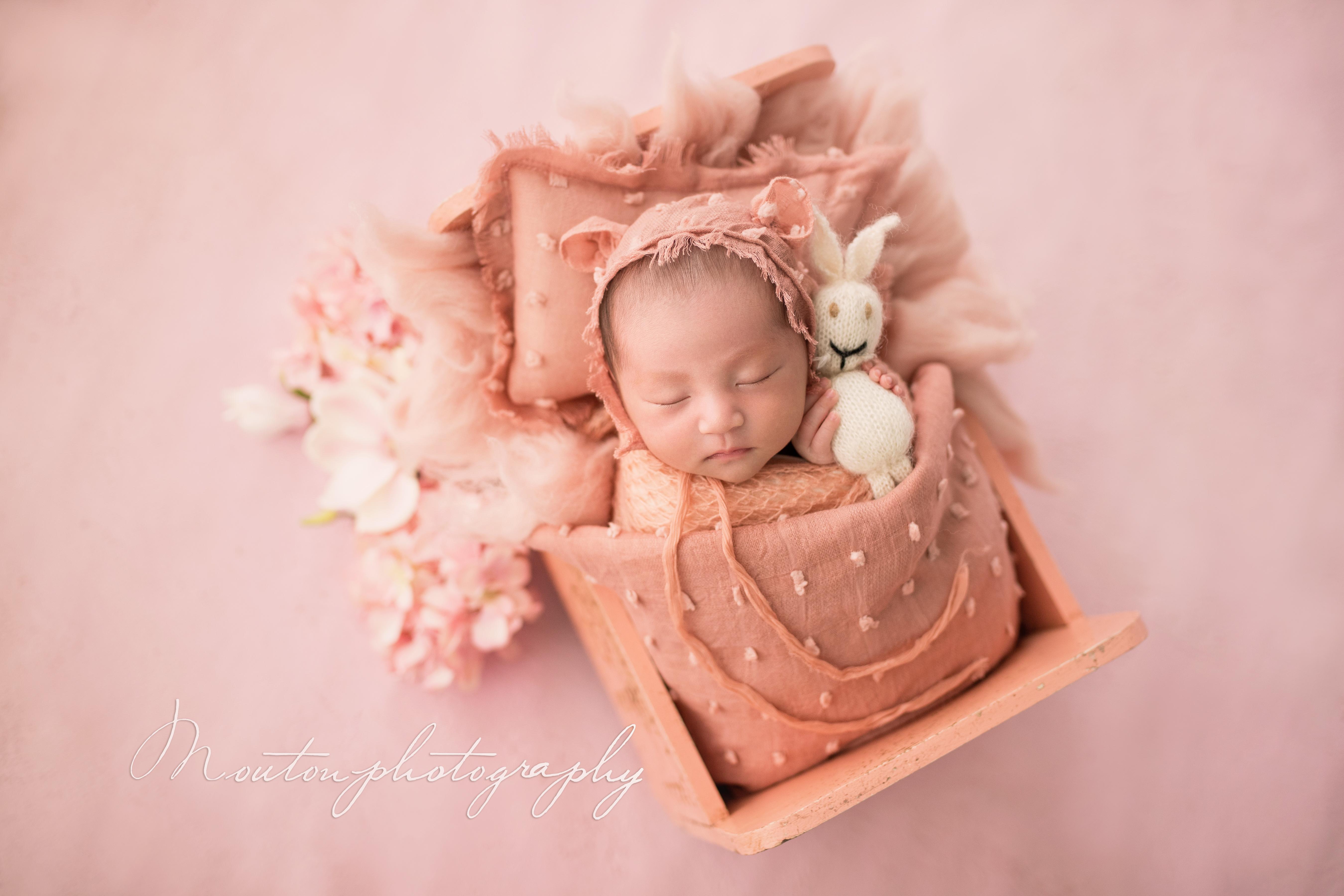 Newbornw-1