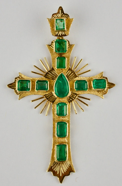 18ct Gold and Emerald Cross Pendent
