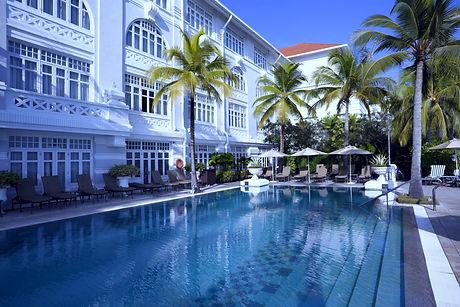 Hotel%20Pool_edited.jpg
