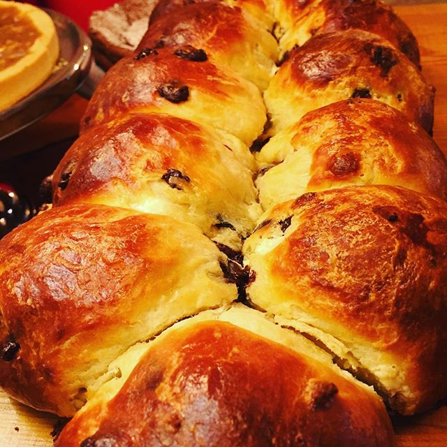 Homemade White and dark chocolate brioche _chez_antoinette #lefooding _lefooding