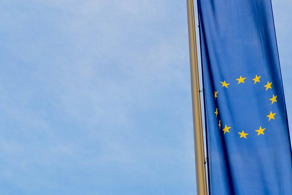 sky-europe-line-mast-flag-blue-1084714-p