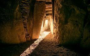 resized_newgrange-solstice-brian-morriso