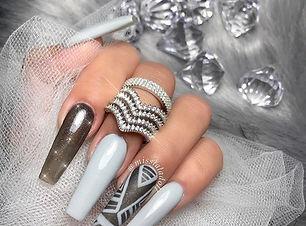 маникюр-с-диаманти-кристали-balnirokli.c
