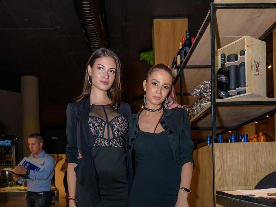 IL Siciliano hostess team