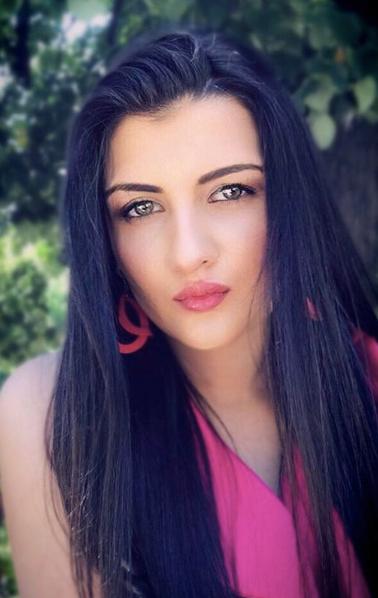 Fame Management Лора Стаменова