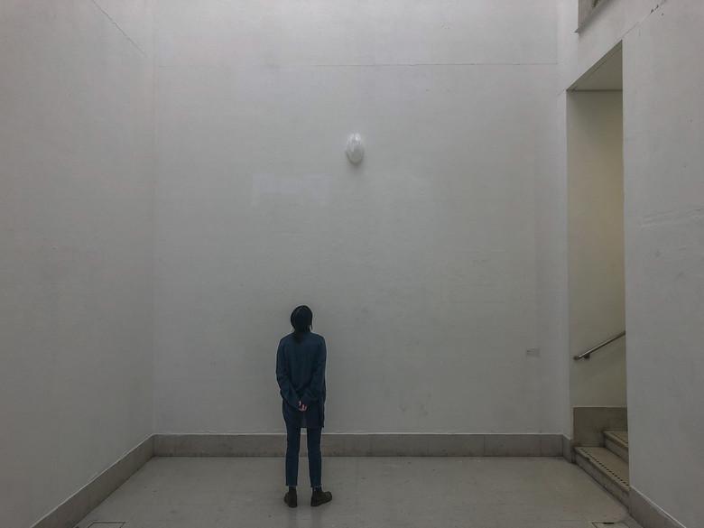 obsession installation-balloon