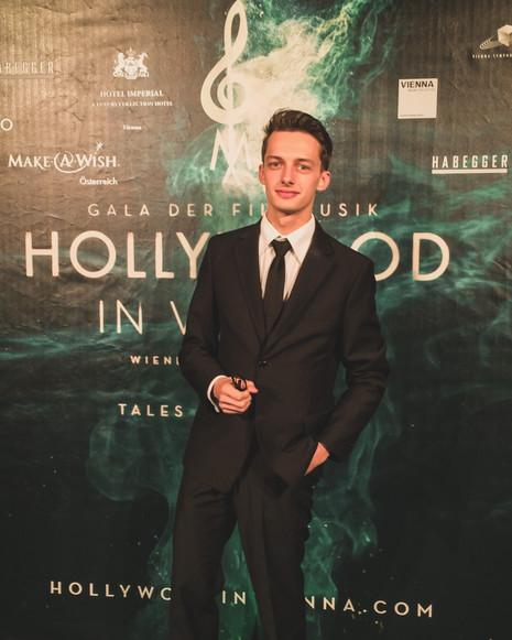 Damian Zwardoń Hollywood@damianzwardonB