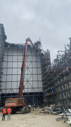 Newport -Video of ultra high reach demolition
