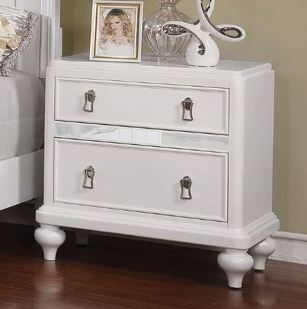 AVIOR NIGHT STAND | CM7170
