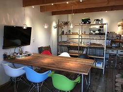 山崎工務店のアトリエ内打ち合わせスペース