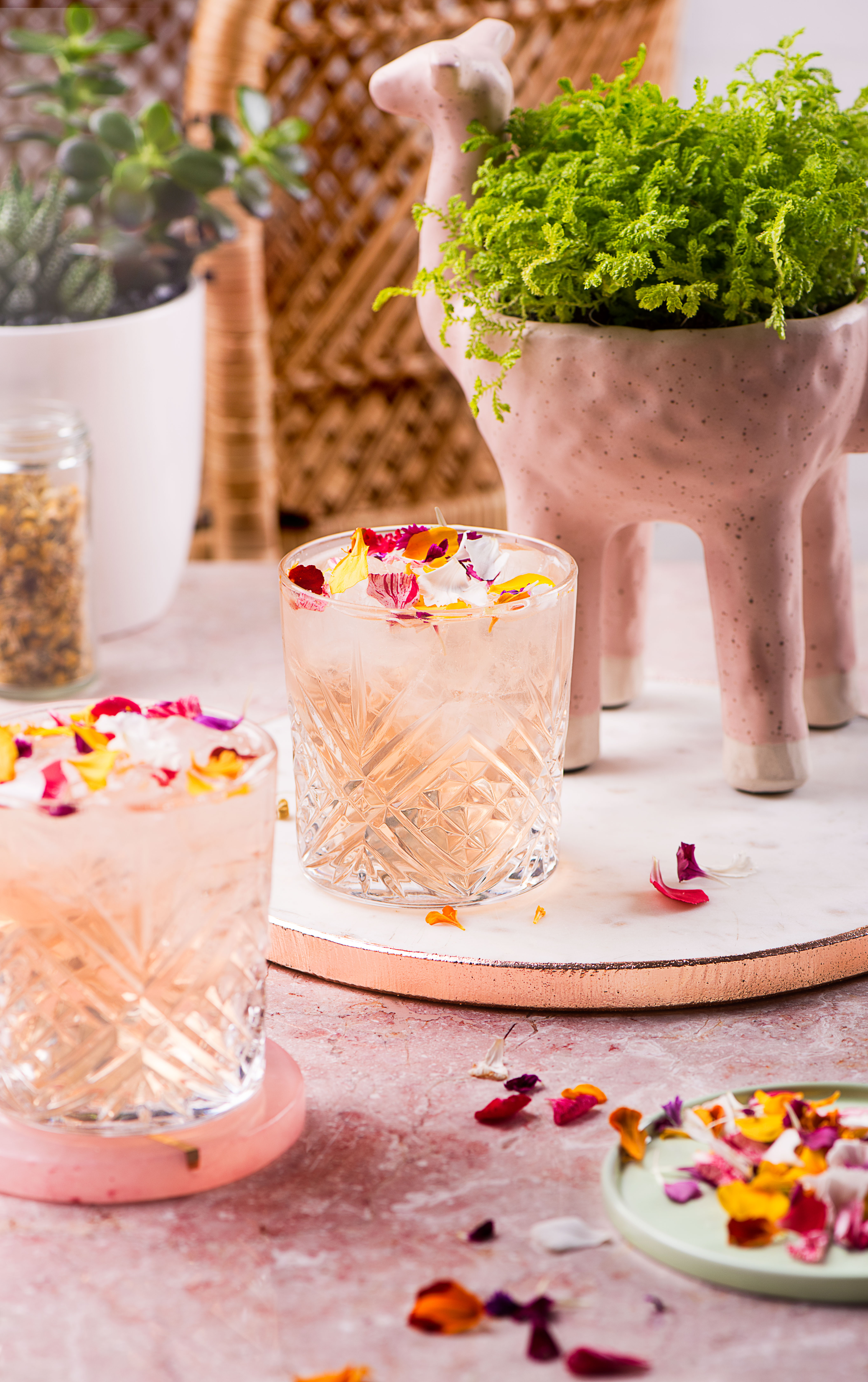 GIN-AND-FLOWERS