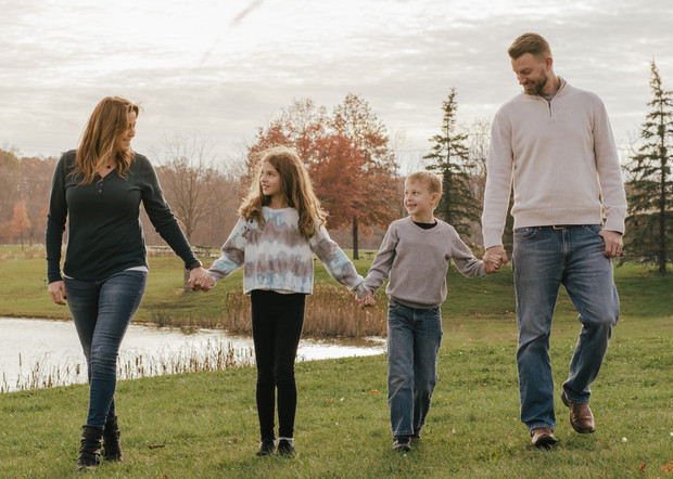 Golden Hour Outdoor Family Session