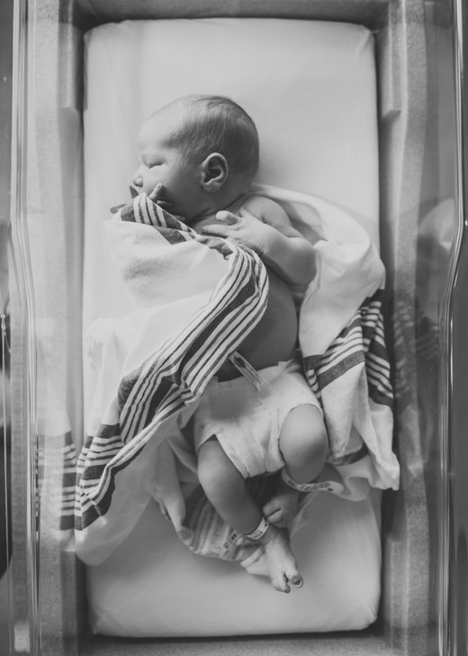 In-Hospital Fresh 48 Newborn Photography