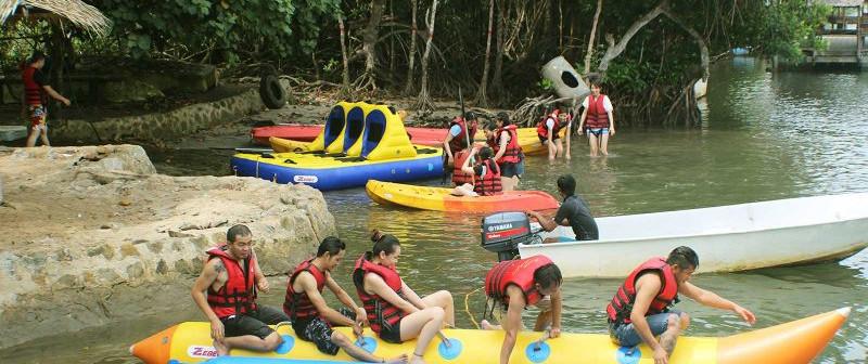 Borneo-Kelly-Bay-Sabah-Borneo-2-800x356.