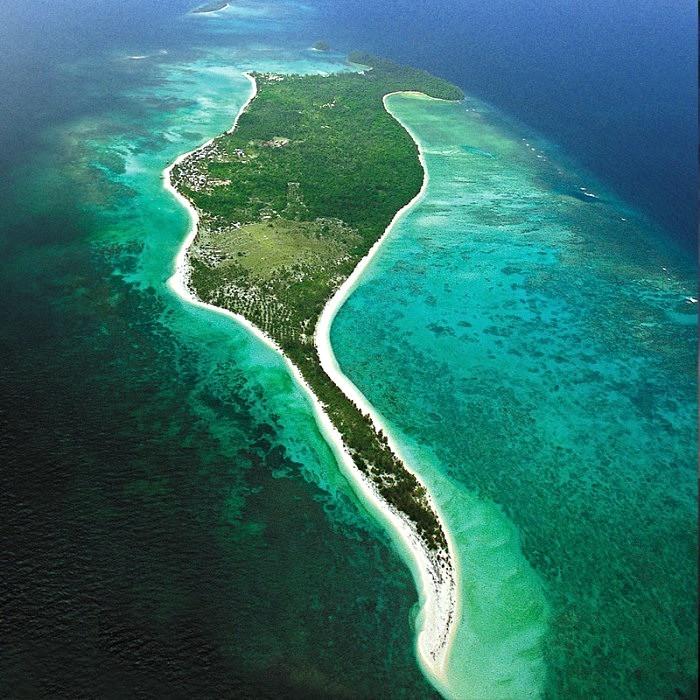 Mantanani Island - Photo 1