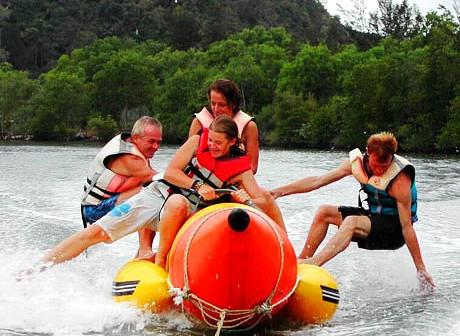 Borneo Kellybays - Water Sport Banana Bo