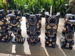 Statues at Chichén Itzá