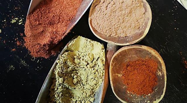Garance, henné d'Inde, poudre de rose et