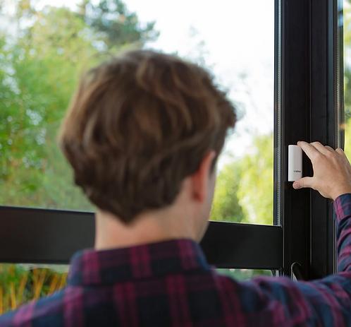 Détecteurs d'ouverture de portes et de fenêtres connectés