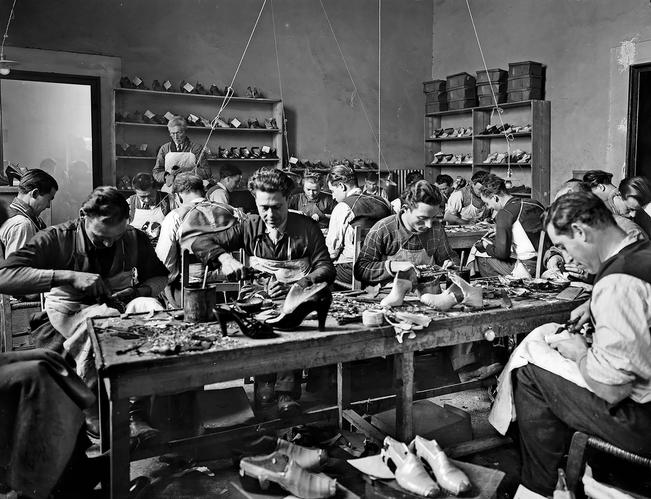 Craftsmen working in Ferragamo's workshop