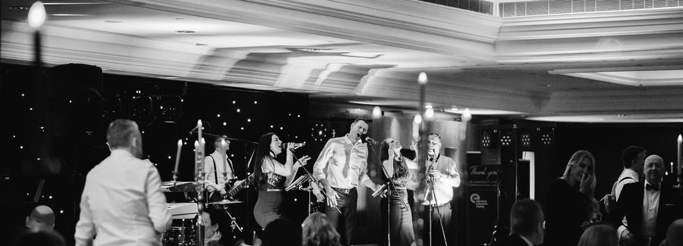 Sinkthebeat-Londonweddingband-67.jpg