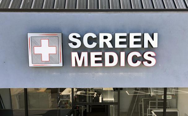 SubScreenMedics1.jpg