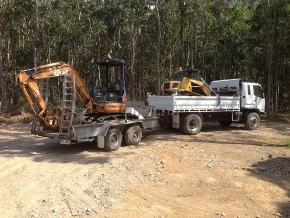 Truck with posi + 3 tonne excavator
