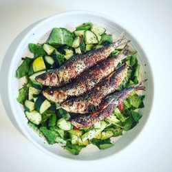 #Latelunch....Fresh sardine salad. 😋 Sardines from #Surf&Turf and beautiful #Organic salad vegetabl