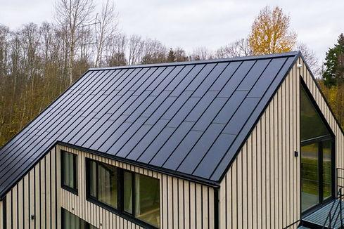 ydruma-laanemaa-roofit-solar-metal-roof-