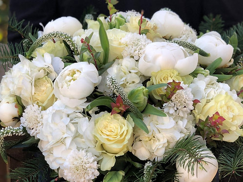 Green & White Arrangement (Delivery)