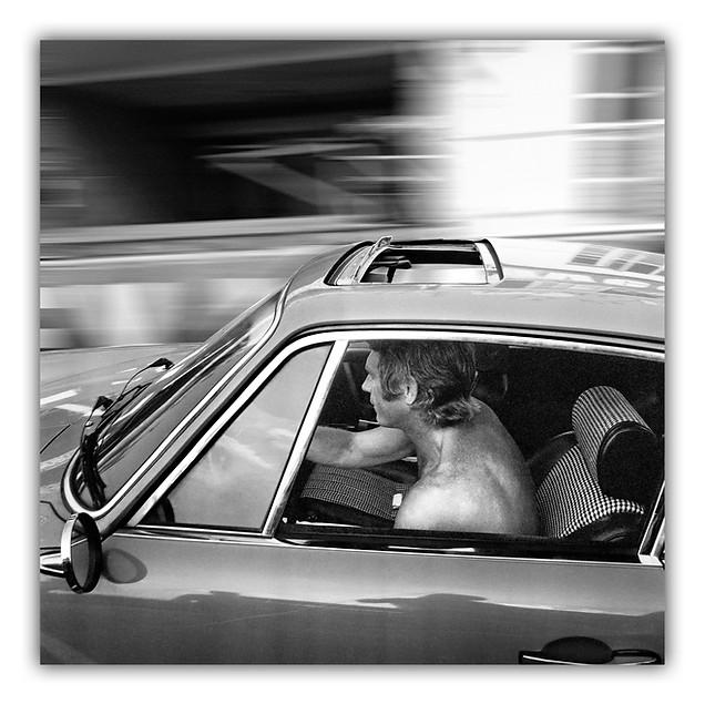 Steve McQueen drives Porsche.jpg