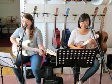 Gitarreschülerin & Ukulelenschülerin